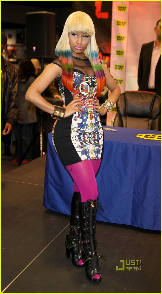 nicki minaj rainbow hair at album signing 032498200