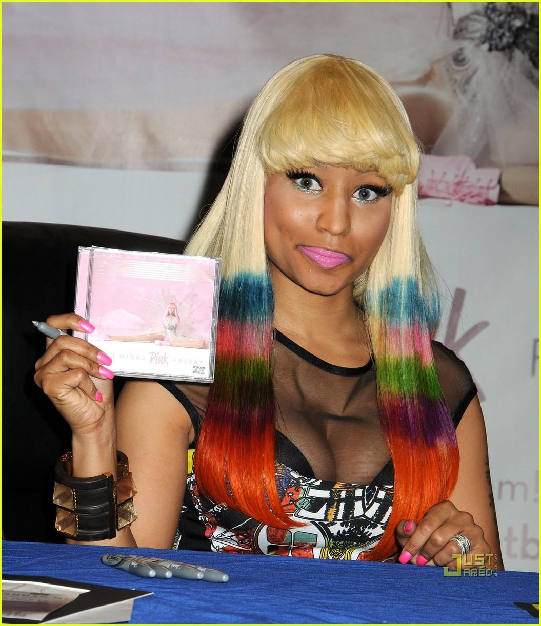 nicki minaj rainbow hair at album signing 042498201