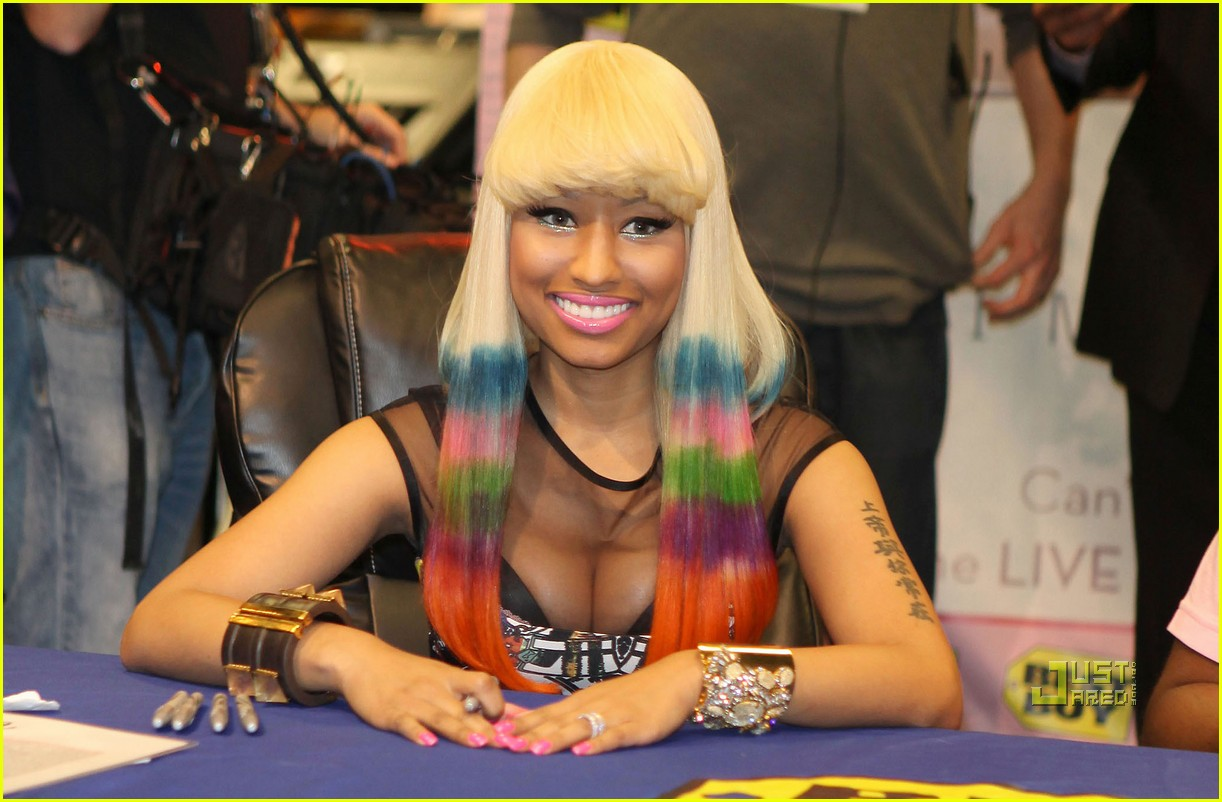 nicki minaj rainbow hair at album signing 052498202