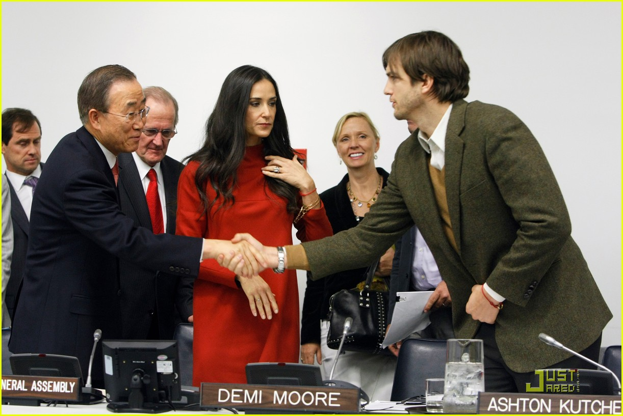 demi moore ashton kutcher fight human trafficking 022492949