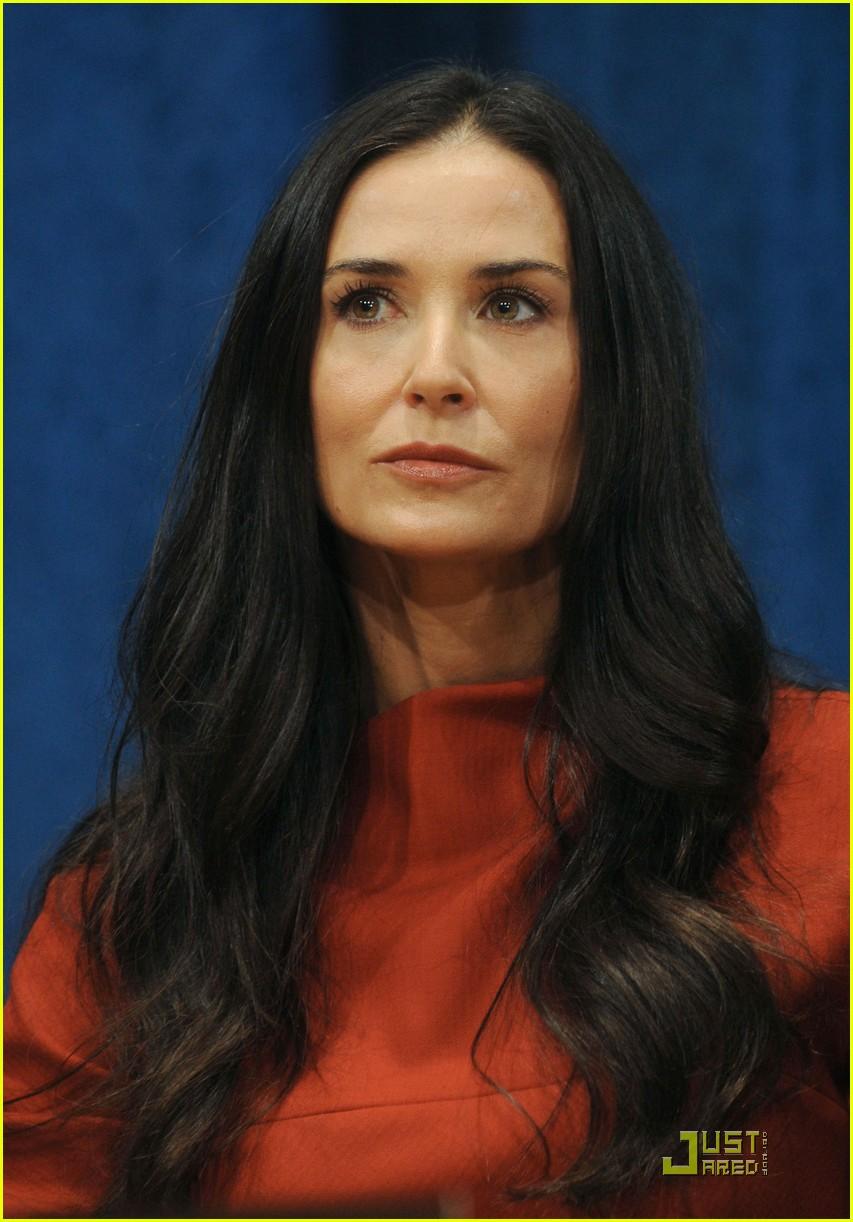 demi moore ashton kutcher fight human trafficking 052492952