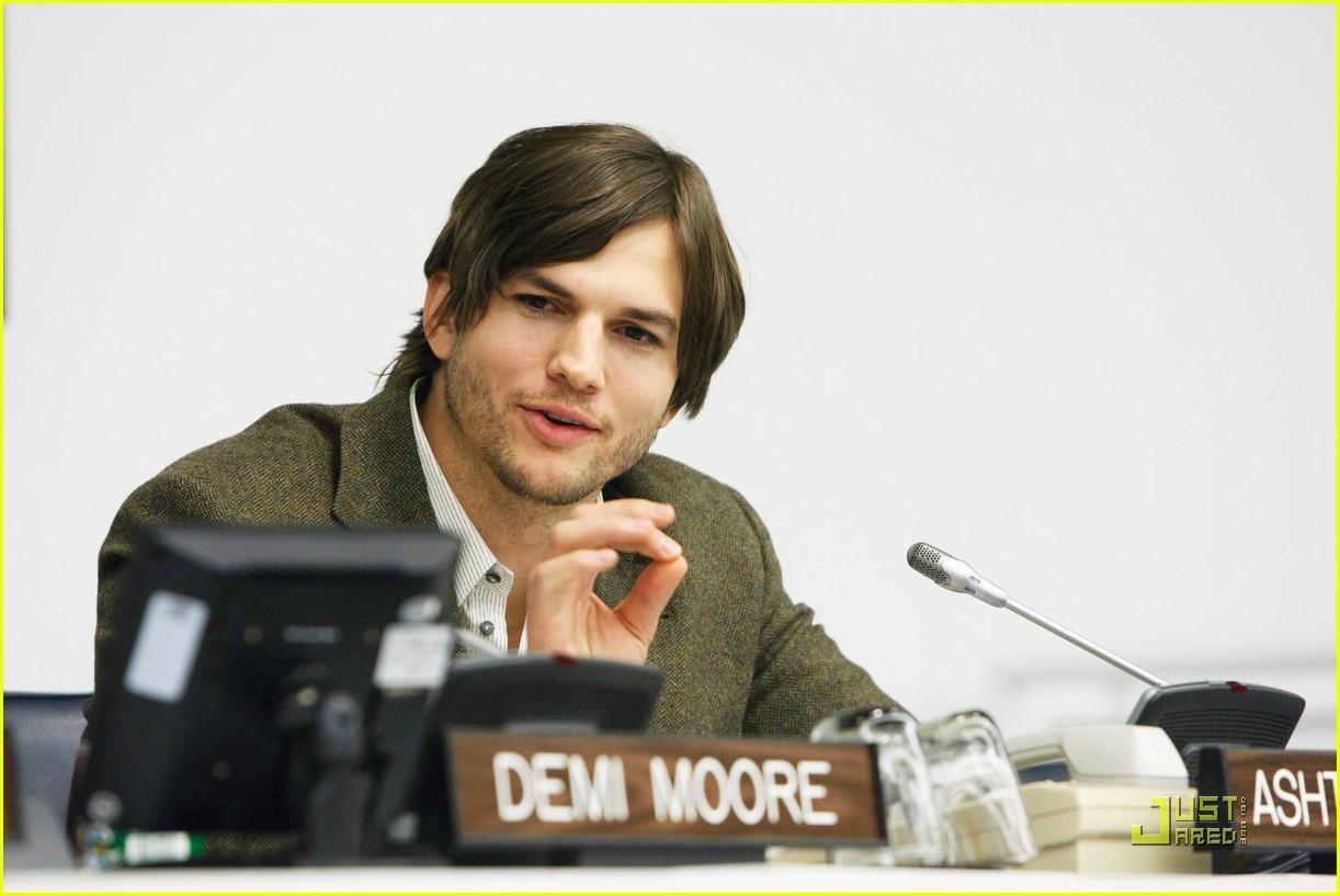 demi moore ashton kutcher fight human trafficking 062492953