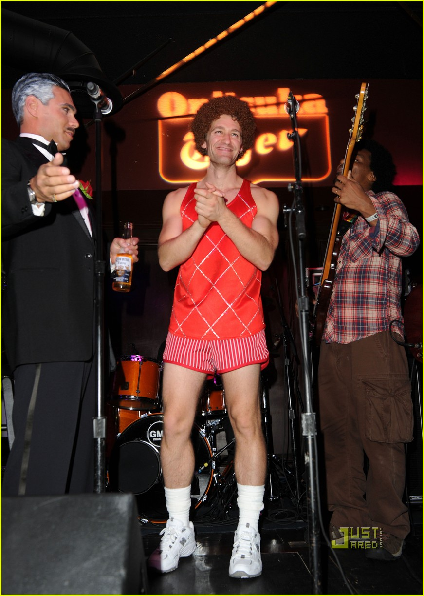 matthew morrison birthday party christina aguilera glee guys 06