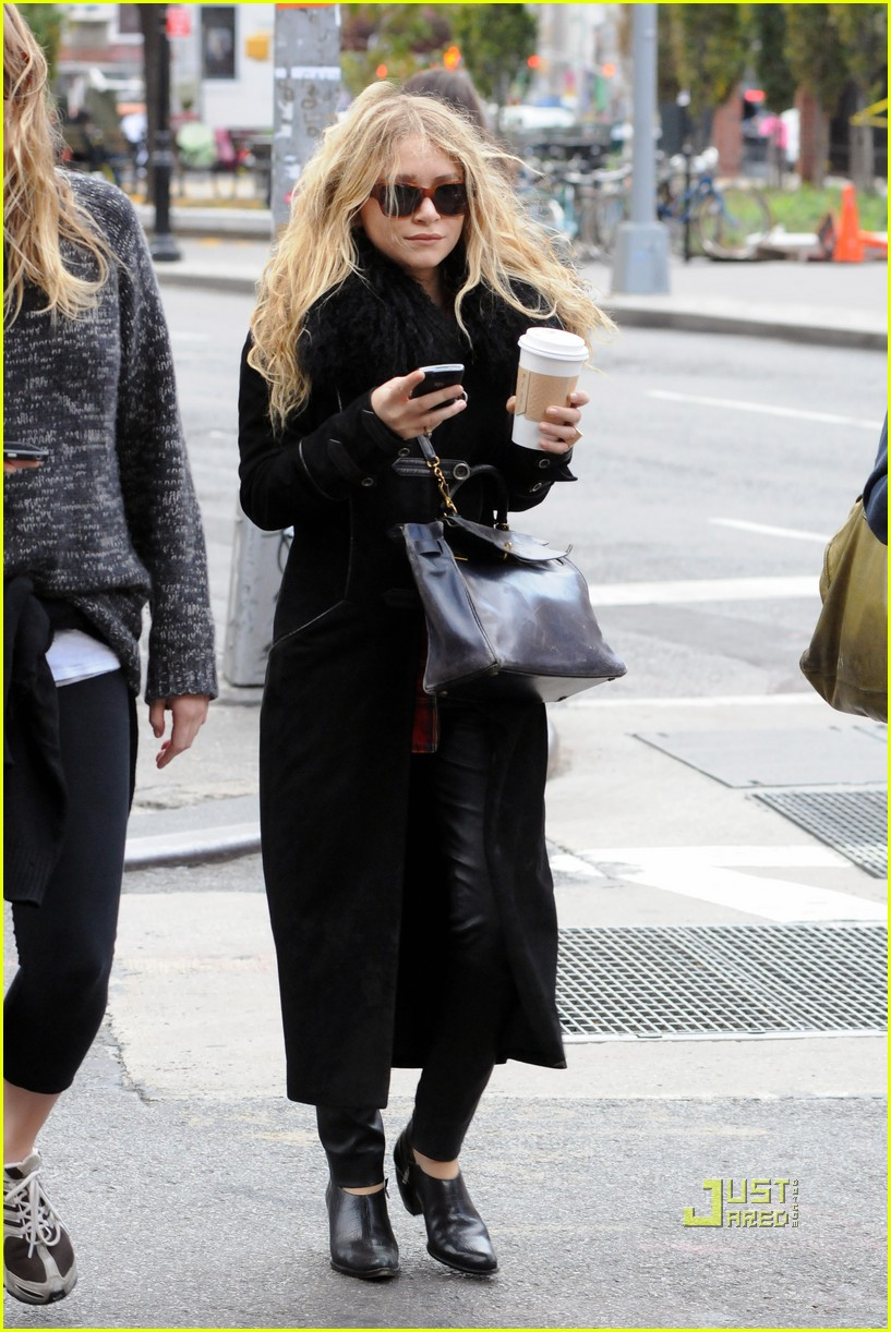 mary kate olsen warms up with a coffee 052497789