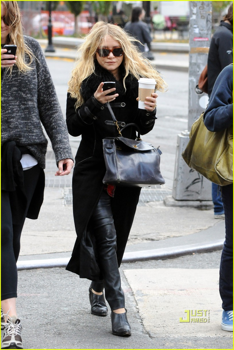 mary kate olsen warms up with a coffee 062497790