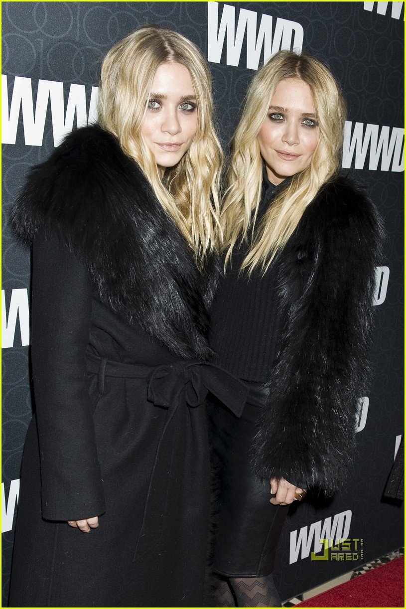 mary kate ashley olsen womens wear daily gala 01