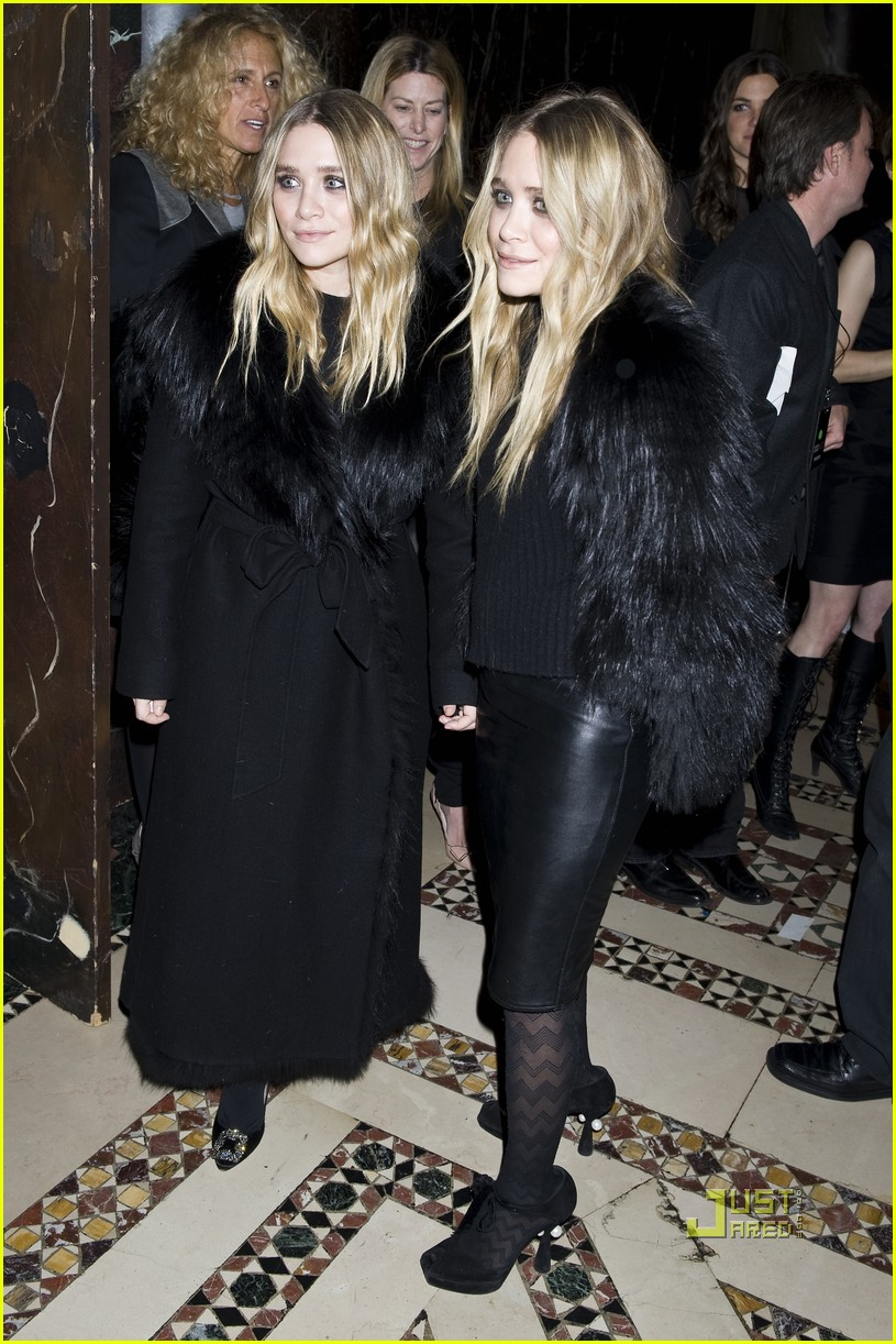 mary kate ashley olsen womens wear daily gala 152492422