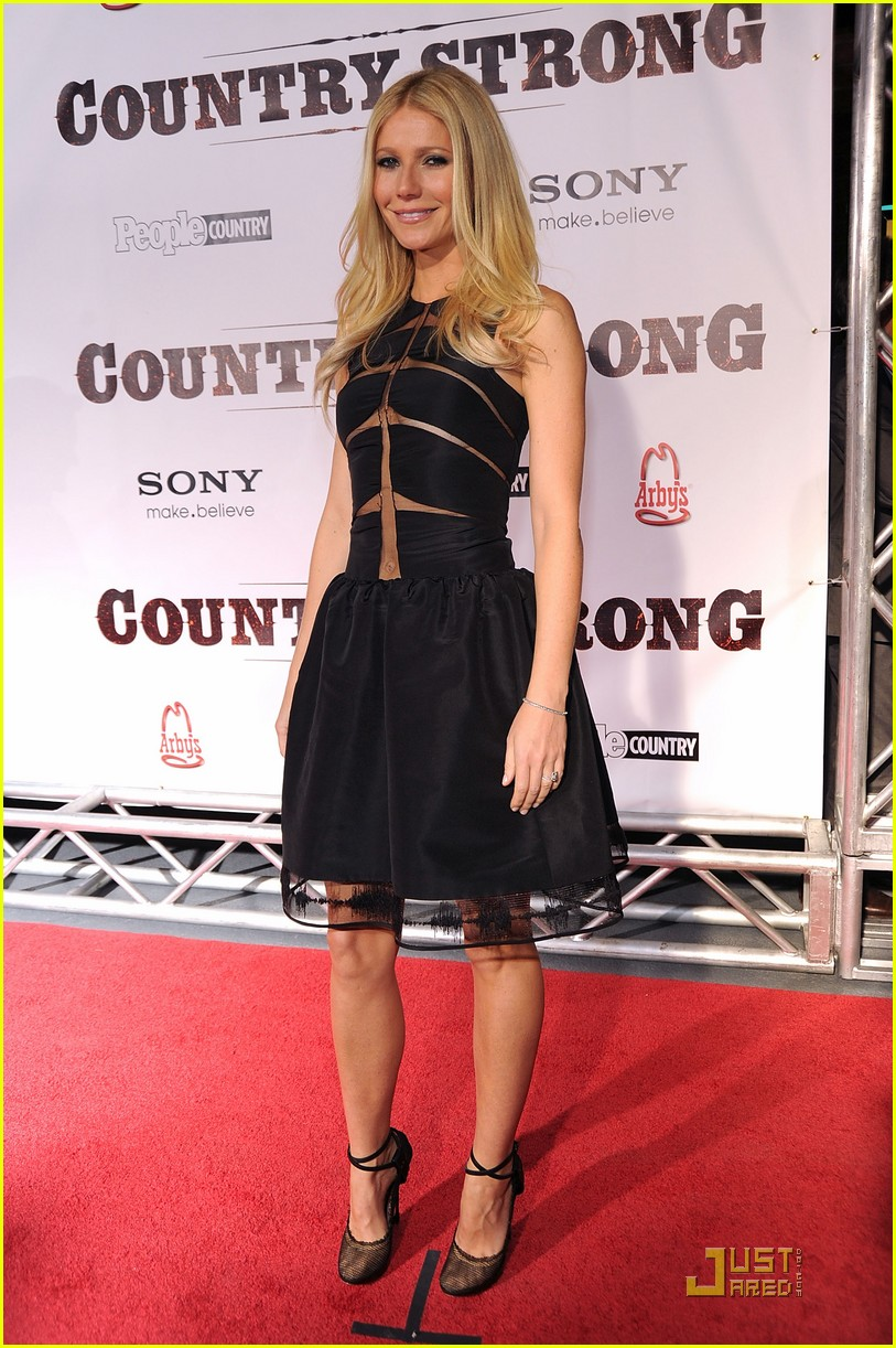 gwyneht paltrow country premiere 01