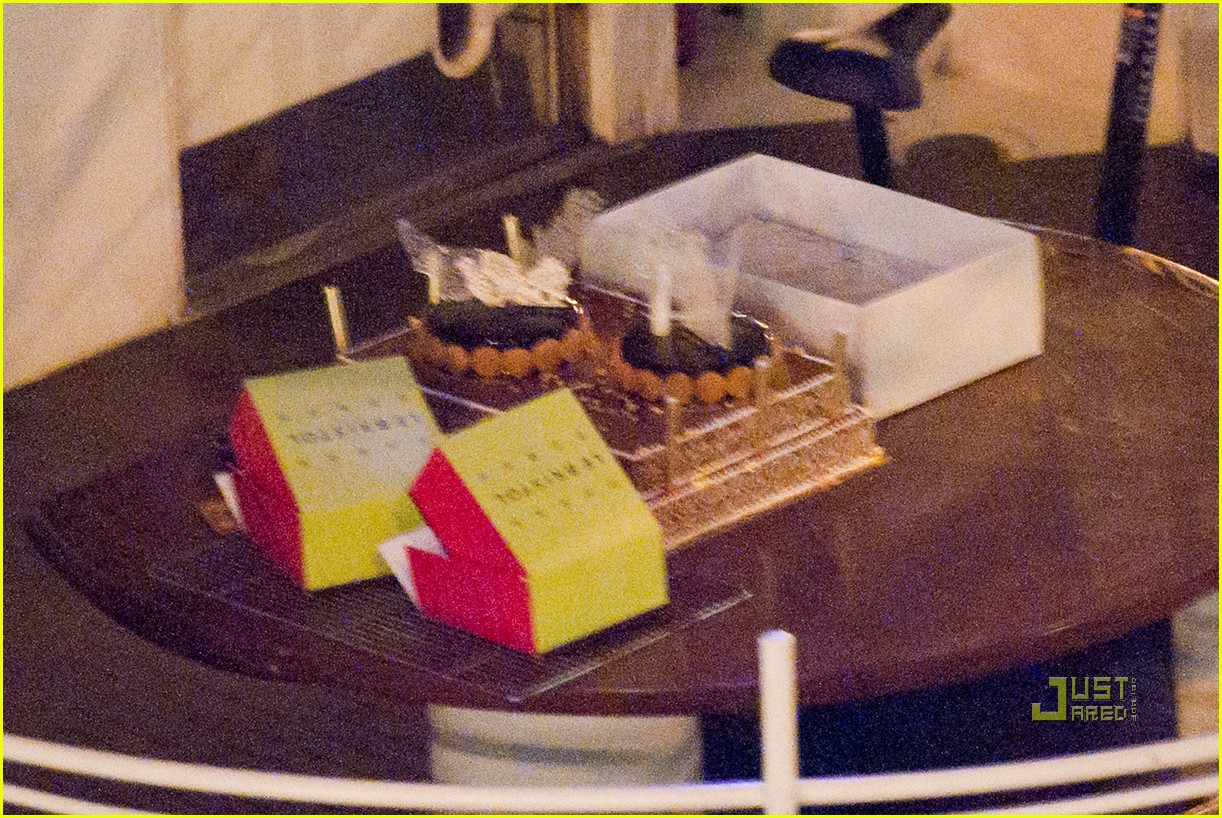 brad pitt angelina jolie pax birthday boat 17