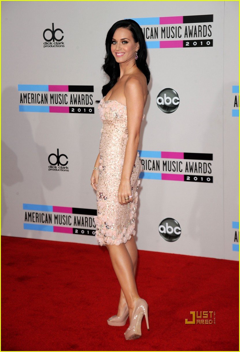 katy perry amas red carpet 2010 01