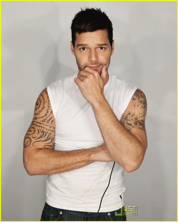 ricky martin out magazine cover 012495077
