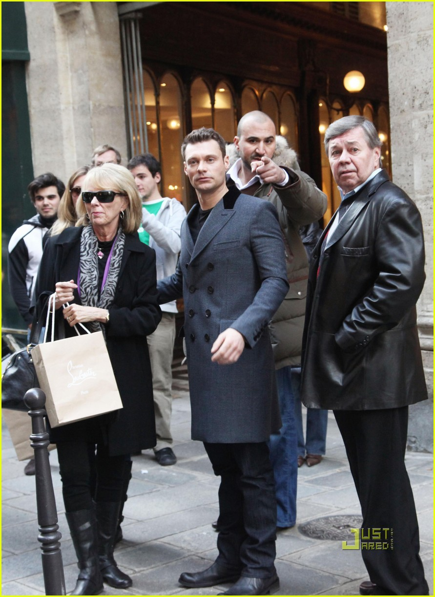 ryan seacrest julianne hough black friday 052498694