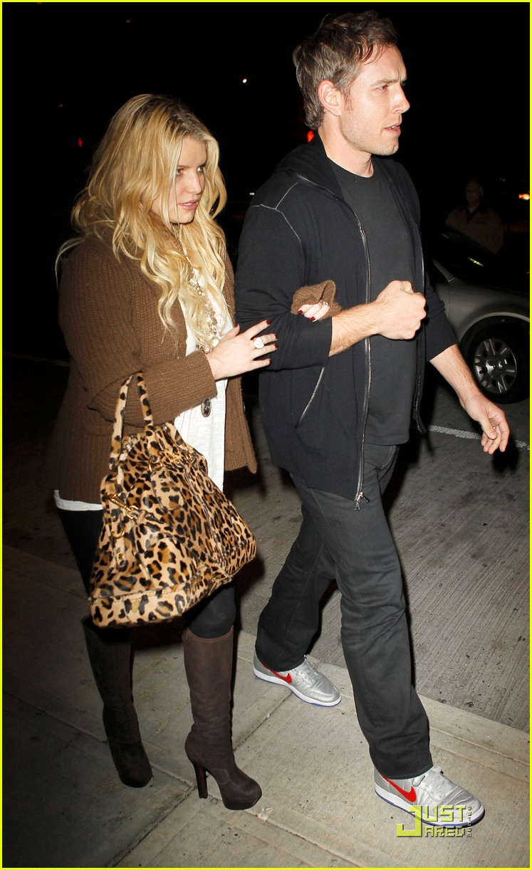 jessica simpson eric johnson celebrate their engagement 092497511