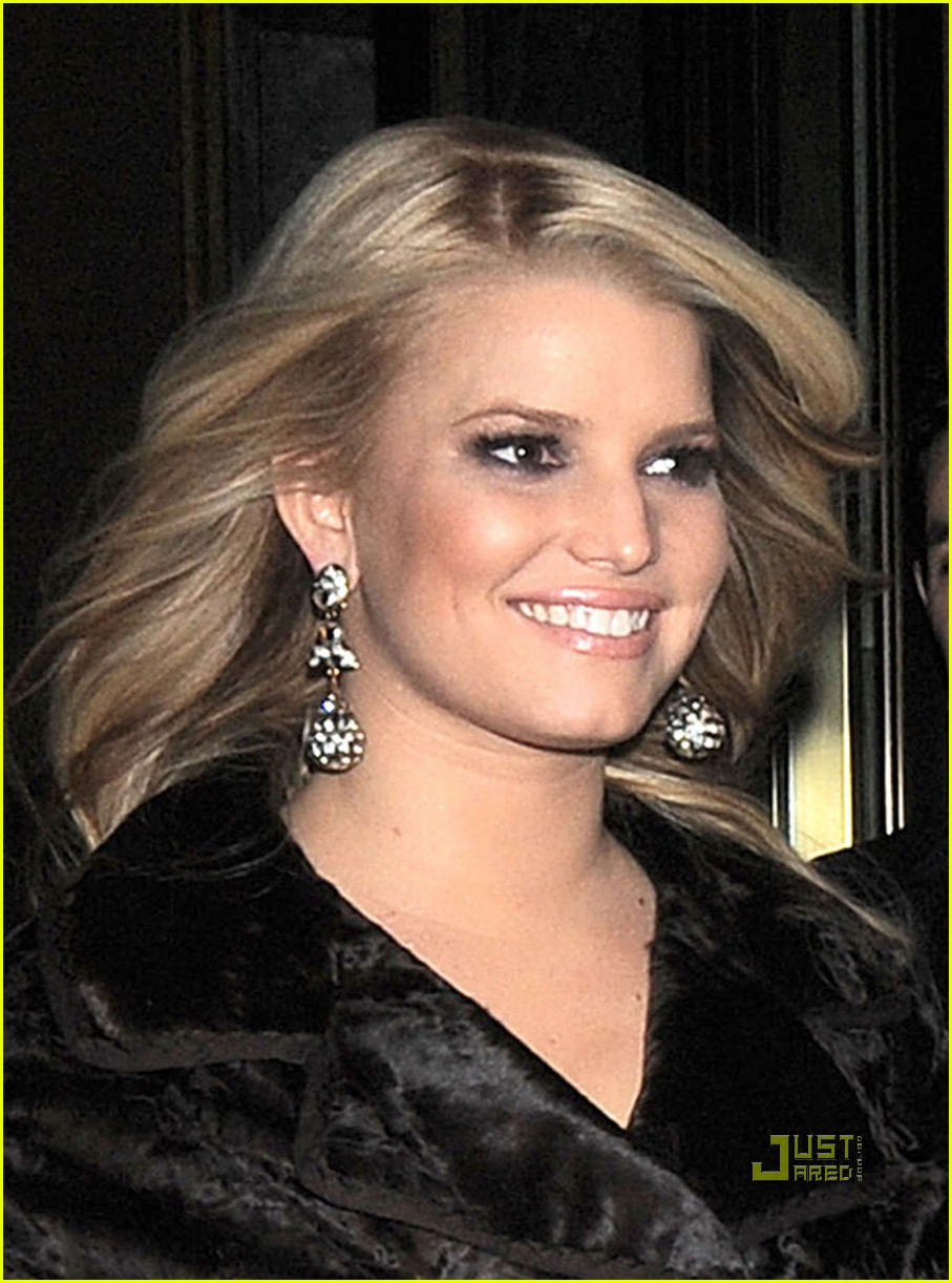 jessica simpson eric johnson date night in nyc 02