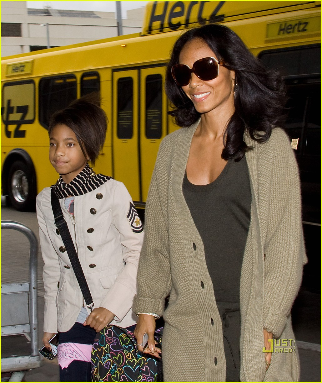 willow and jada pinkett smith rock red shoes 012493720