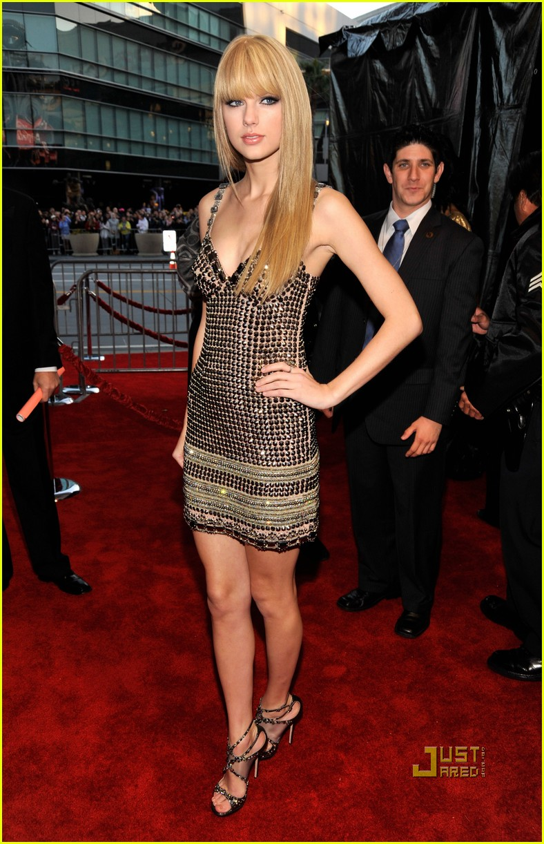 taylor swift amas red carpet 2010 07