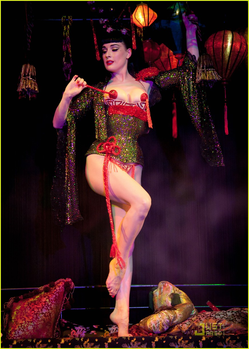 dita von teese opium 09