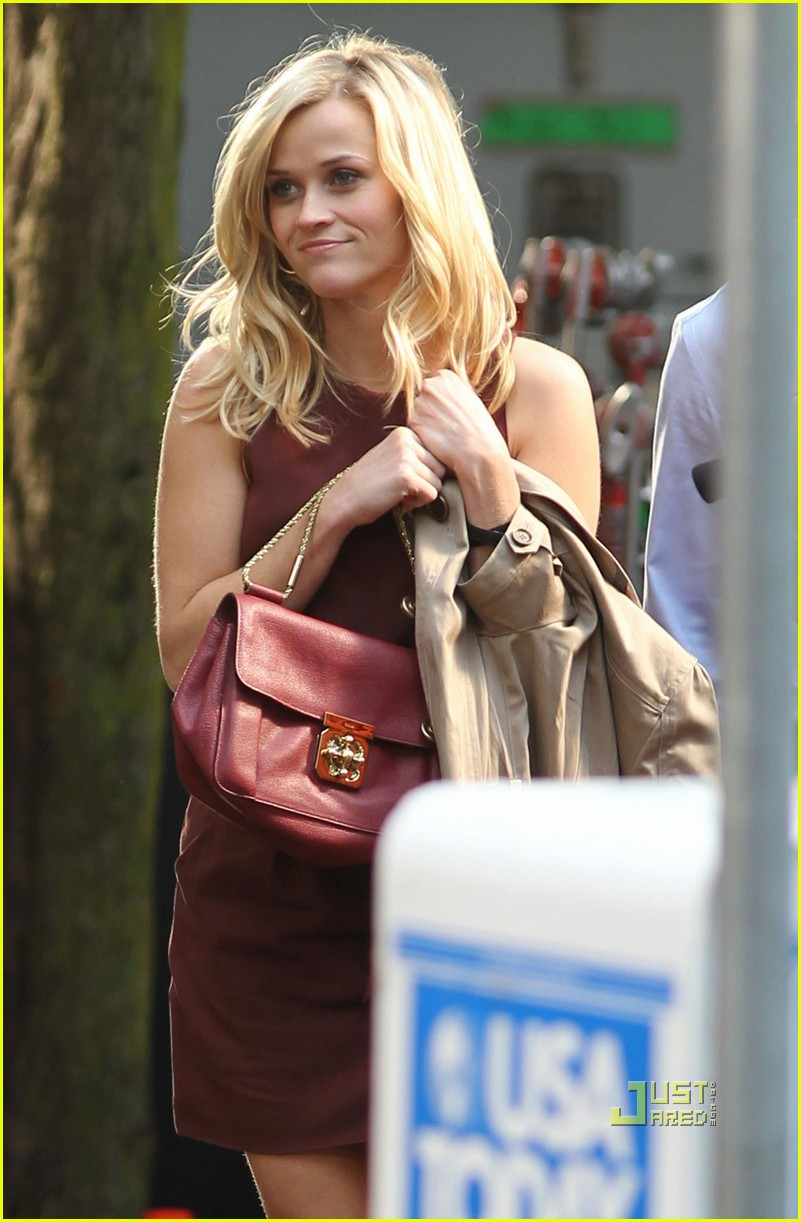 reese witherspoon tom hardy war and kiss 012494332