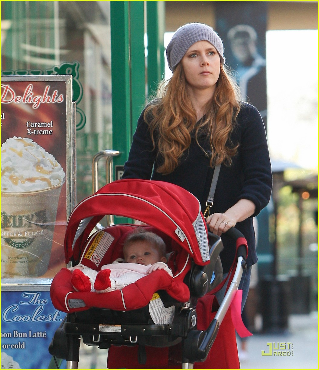 amy adams christmas shopping darren le gallo 12