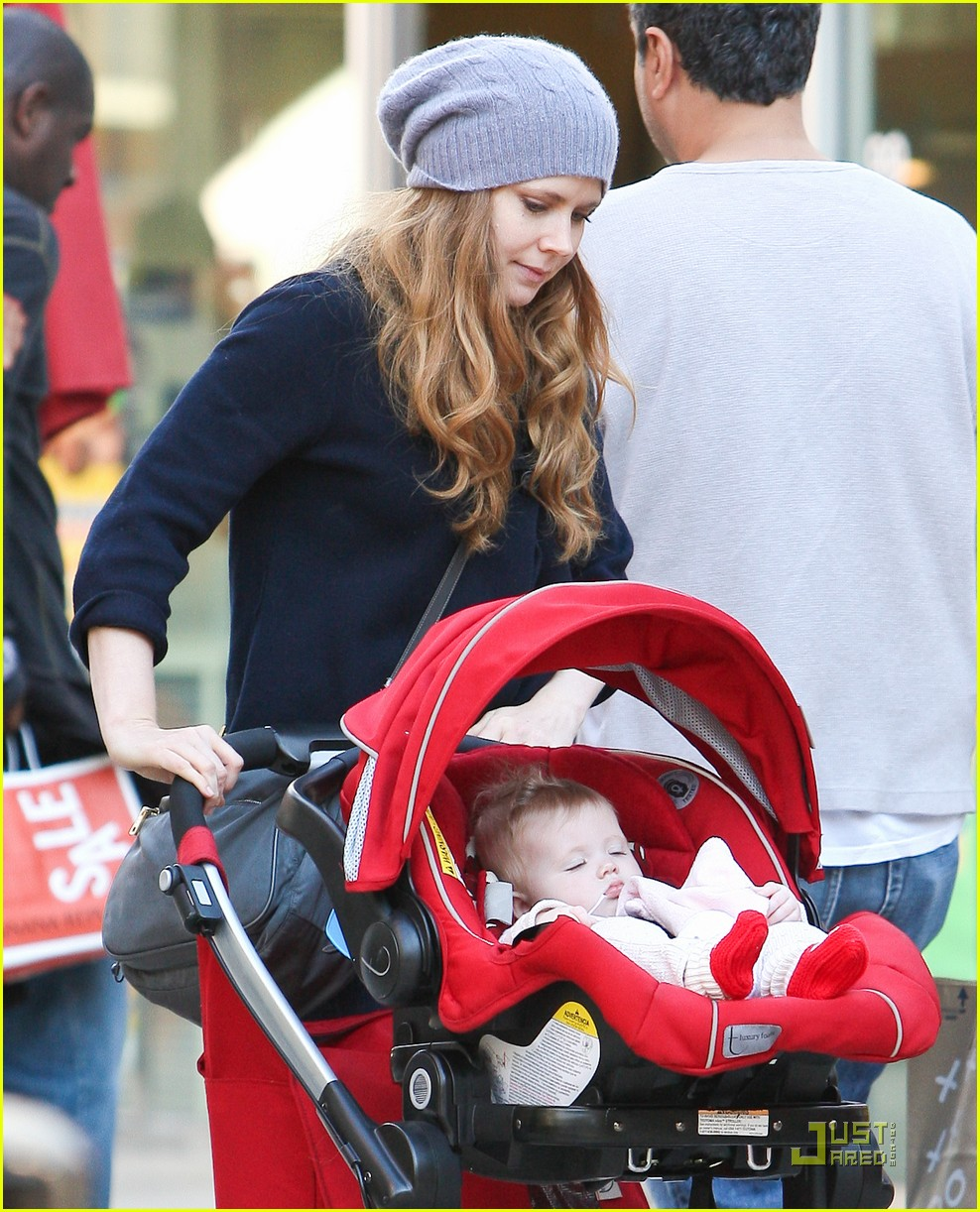 amy adams christmas shopping darren le gallo 15