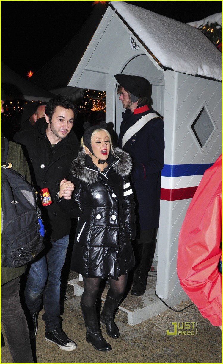 christina aguilera christmas market matt rutler 10