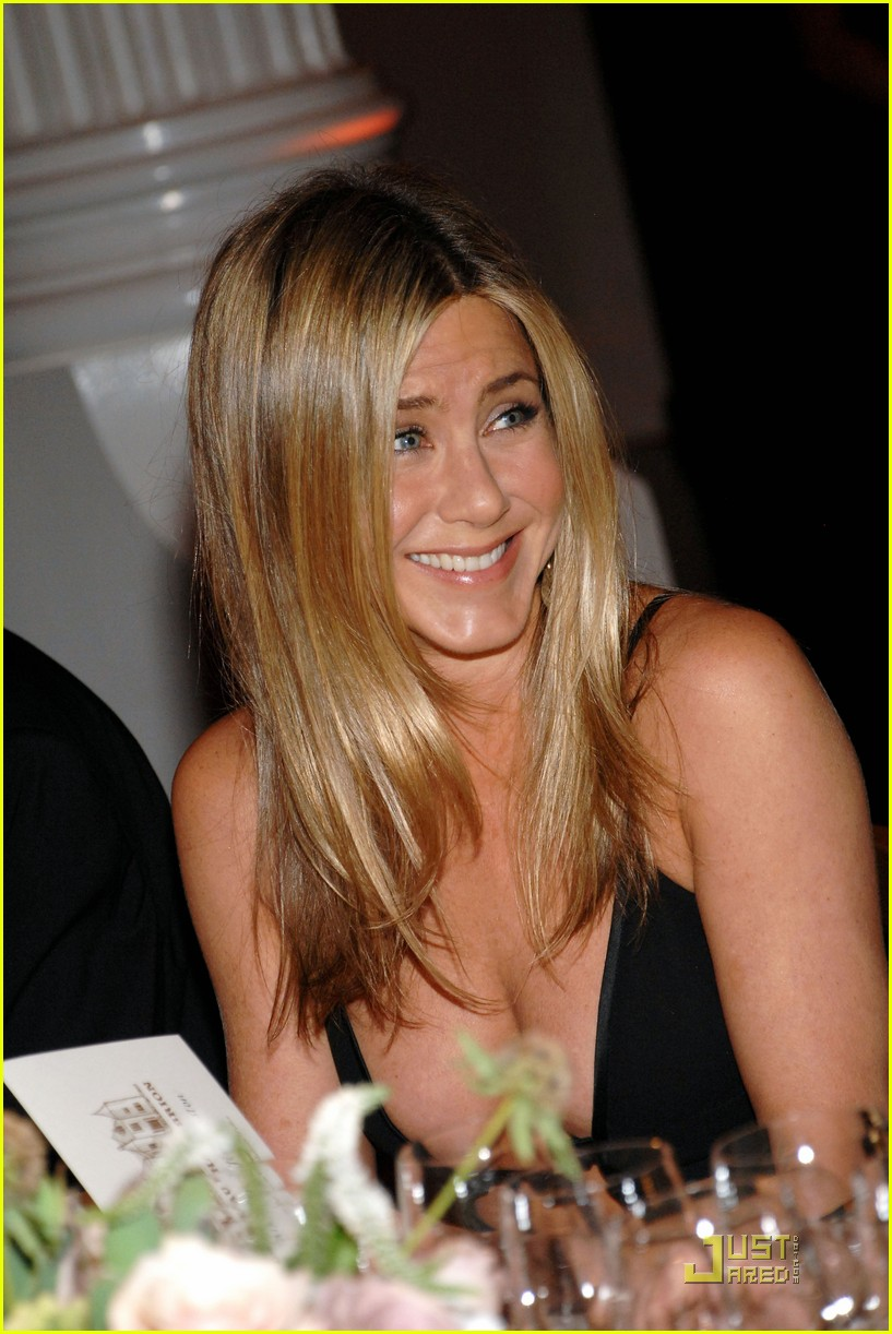 jennifer aniston dinner party prince robert 02