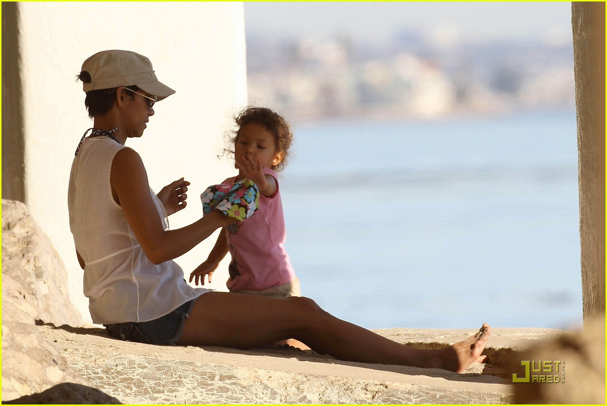 of halle berry nahla aubry beach babes 15  Photo 2503183  Just Jared