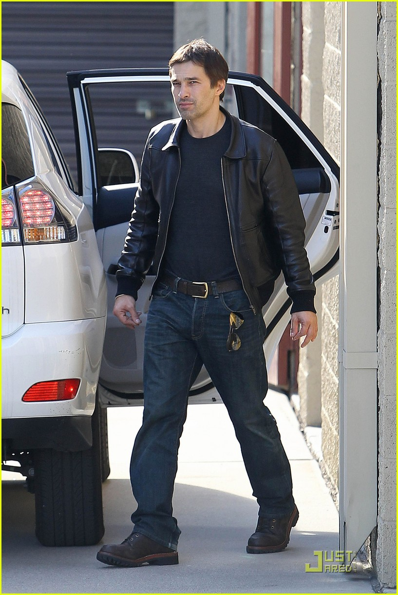 halle berry olivier martinez storage 042501995