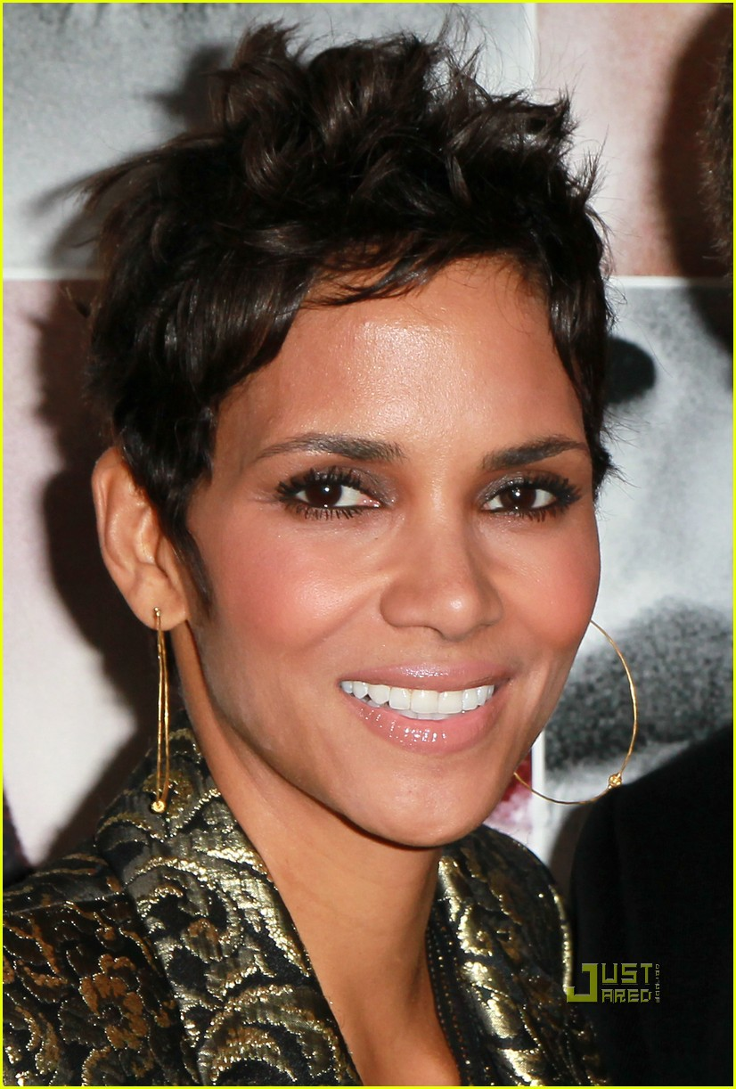 halle berry frankie and alice premiere 022499843