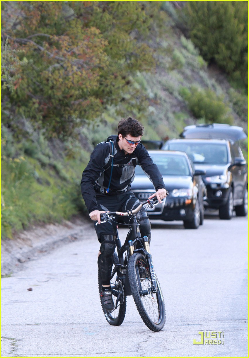 orlando bloom biker boy 022506872