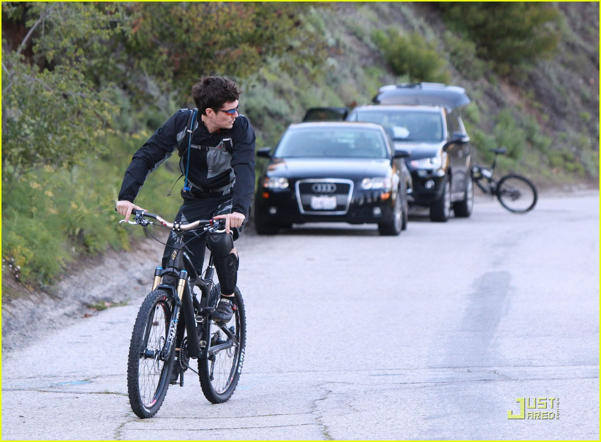 orlando bloom biker boy 102506880