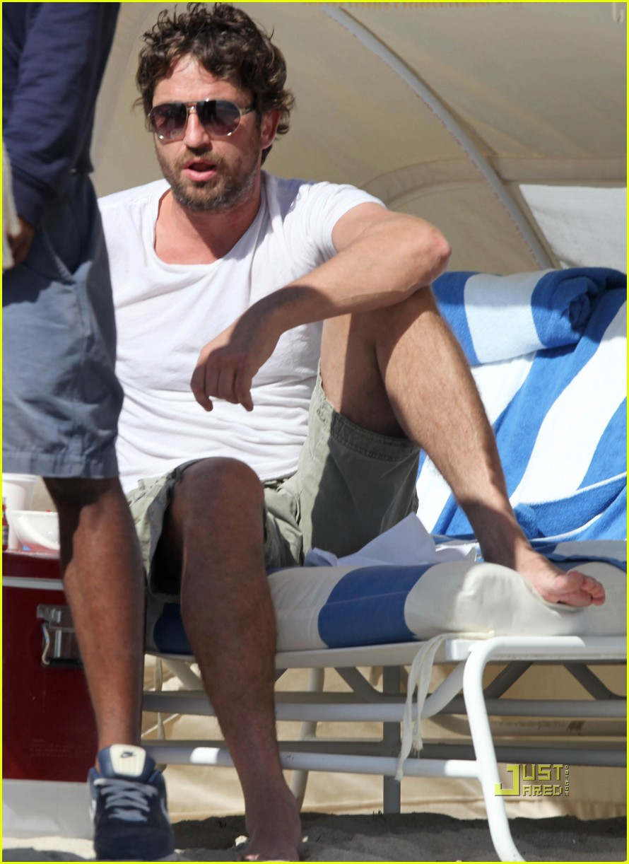 gerard butler south beach 012501432