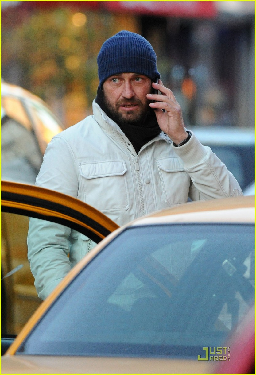 gerard butler on the run ny 052502203