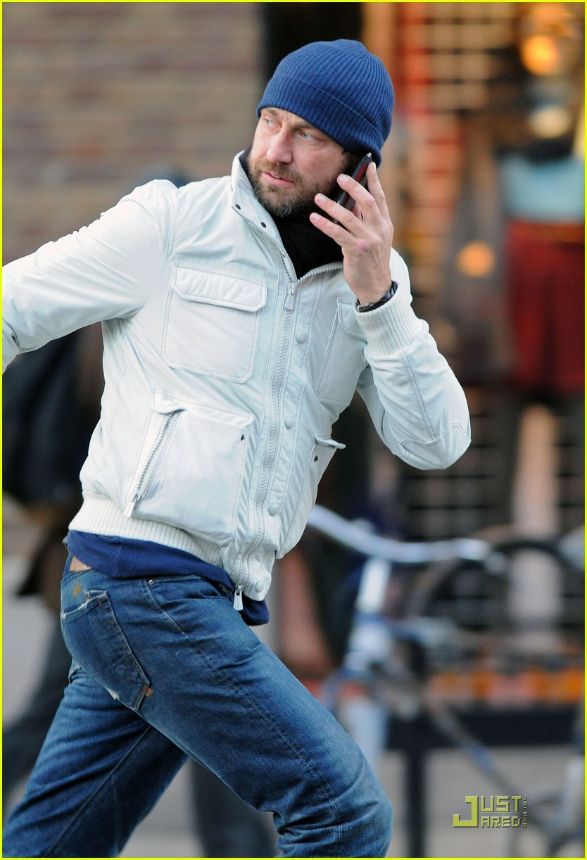 gerard butler on the run ny 062502204