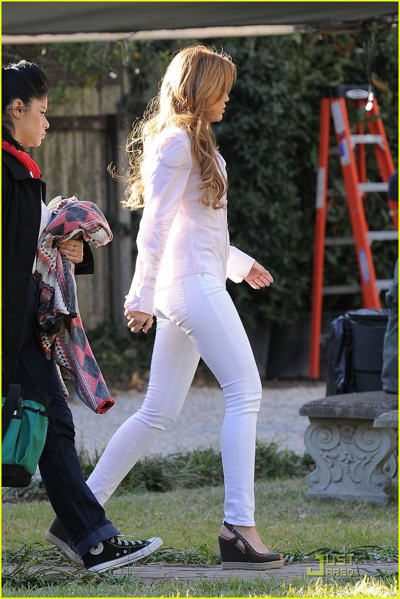miley cyrus so undercover mom 08