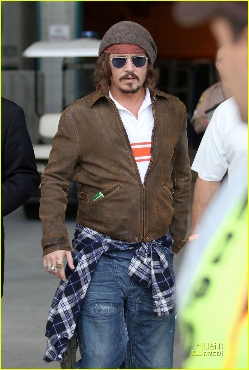 johnny depp dolphins life 132505111