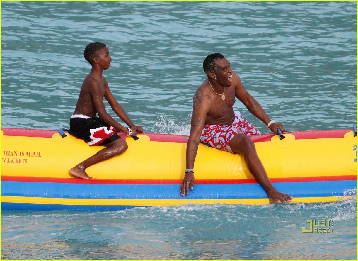 diddy banana boat 02
