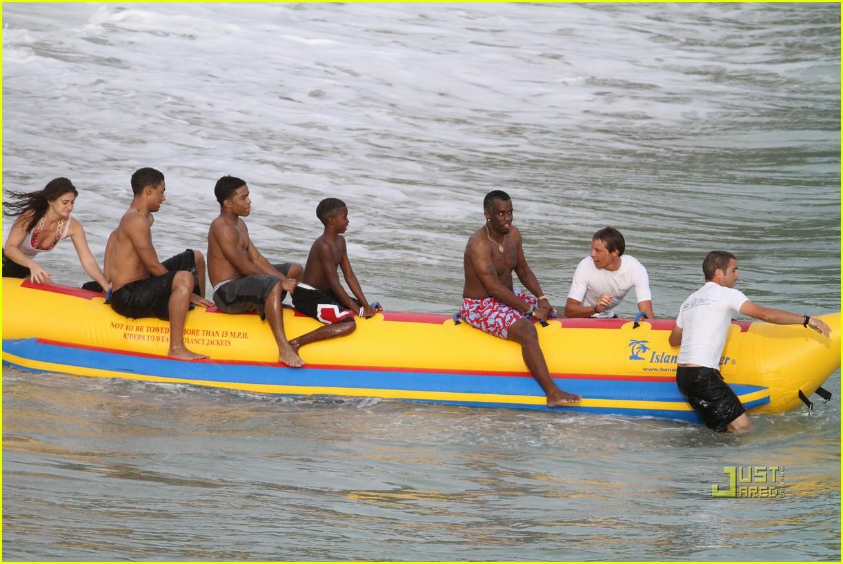 diddy banana boat 122505889