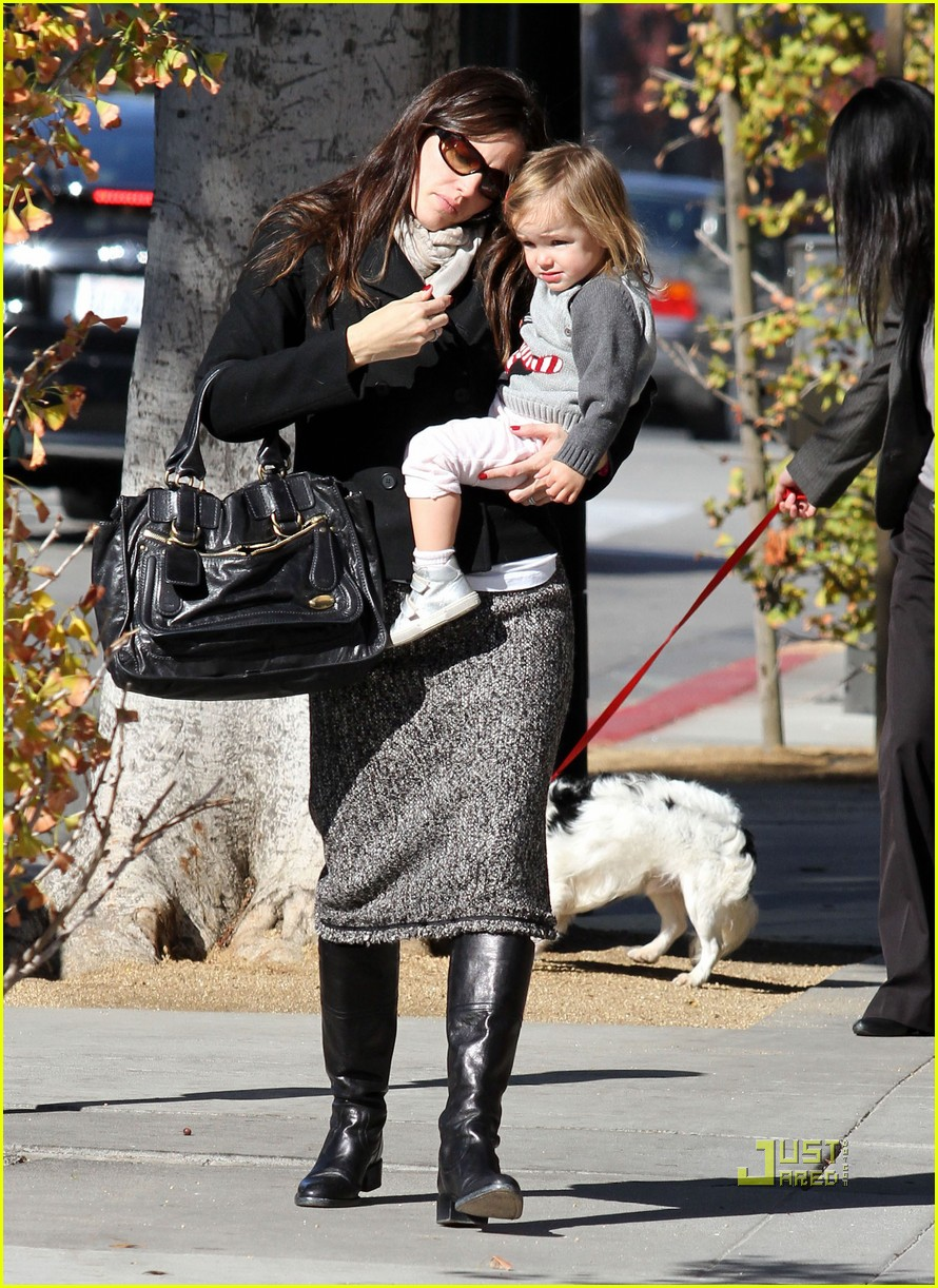 jennifer garner color me mine momma 012501811