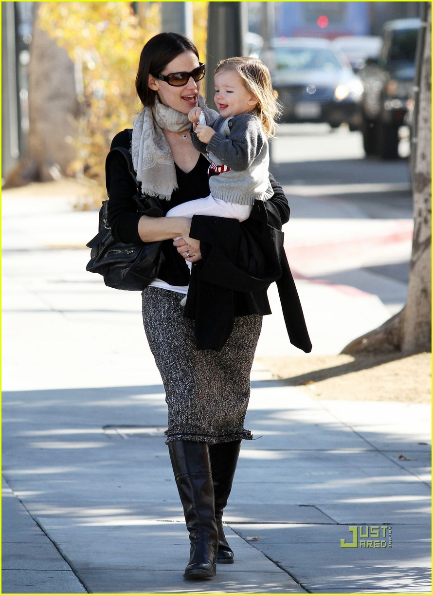 jennifer garner color me mine momma 062501816