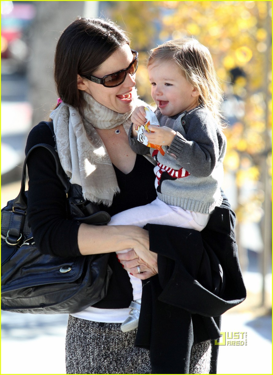 jennifer garner color me mine momma 082501818