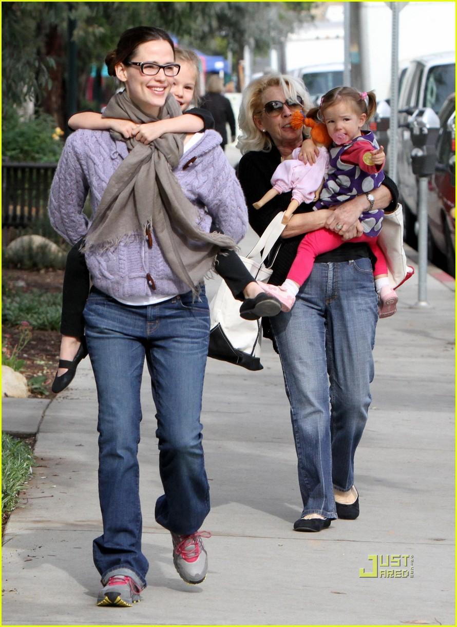 Jennifer Lawrence Gives Aziz Ansari a Piggyback Ride
