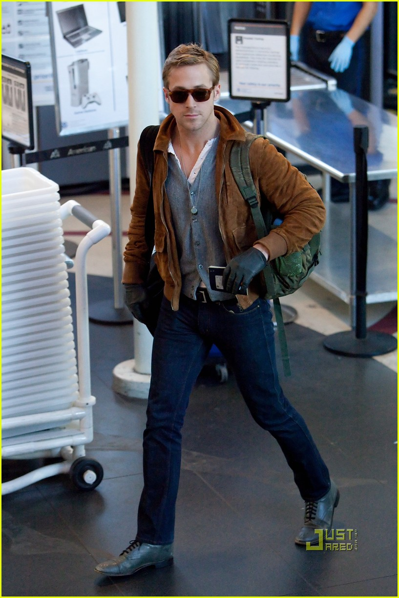 ryan gosling tsa patdown lax 09