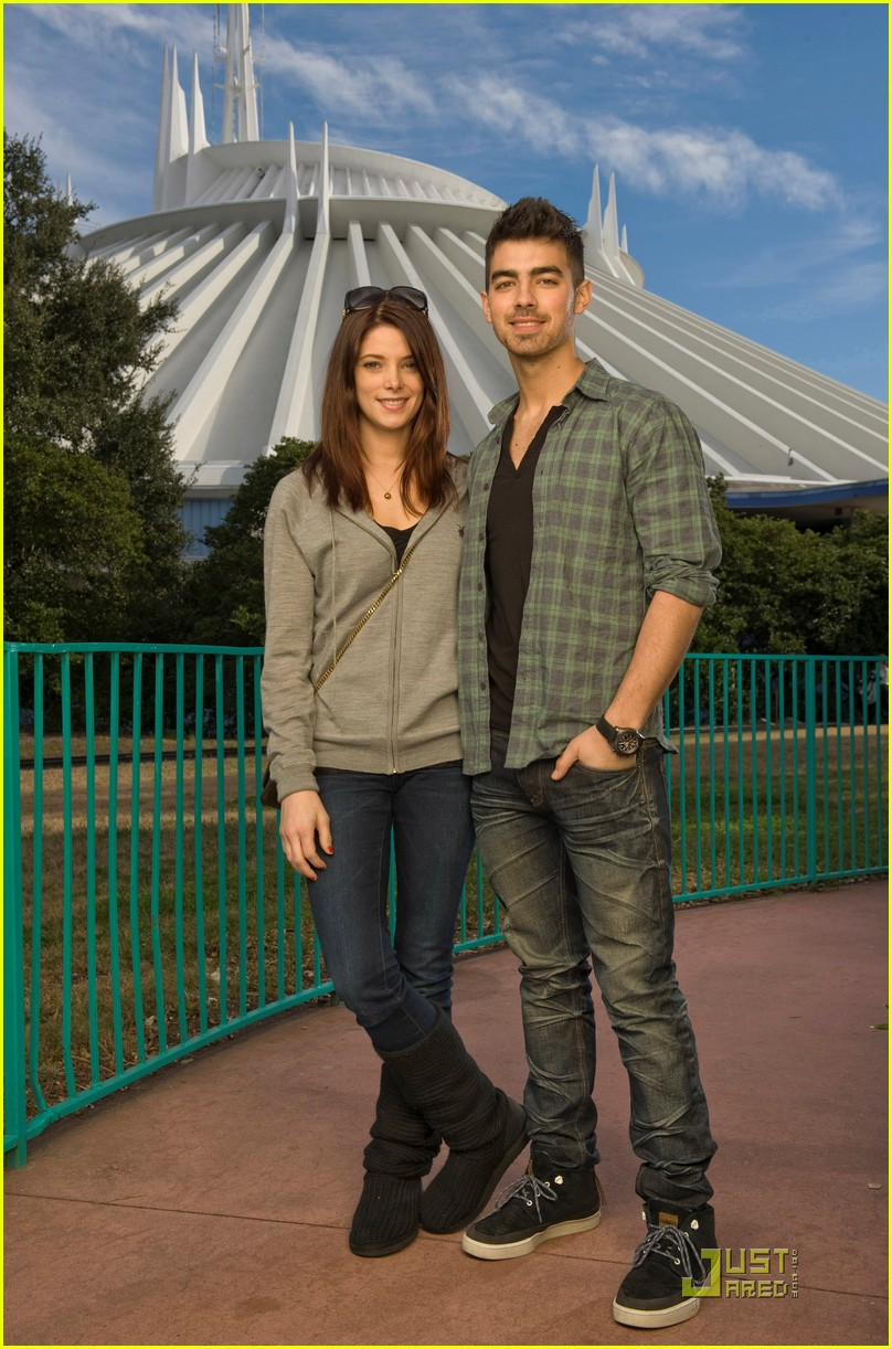 ashley greene joe jonas disney