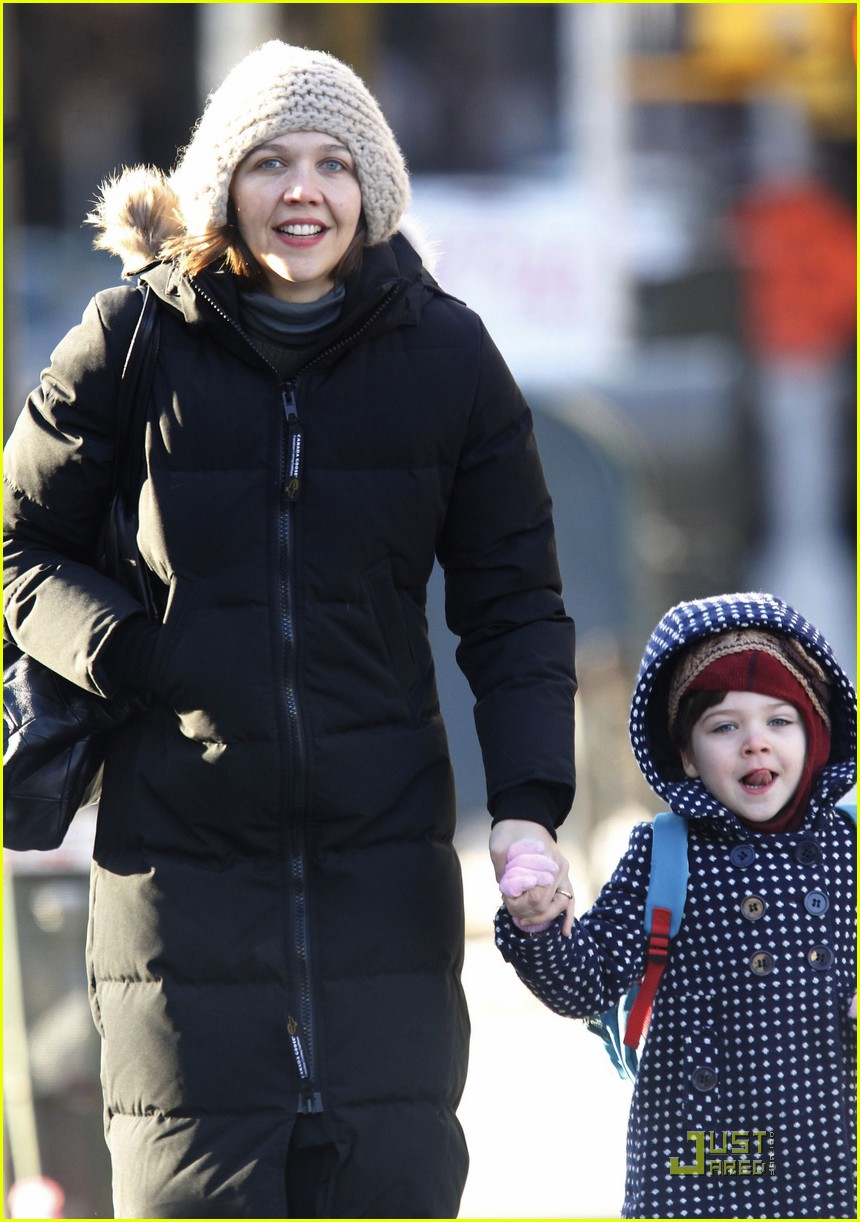 maggie gyllenhaal bundled up in brooklyn 082502376