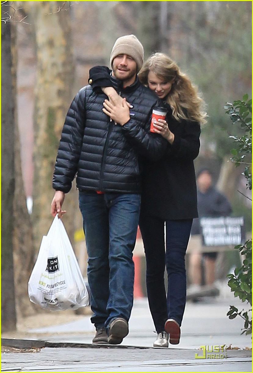 jake gyllenhaal taylor swift thanksgiving 072502029