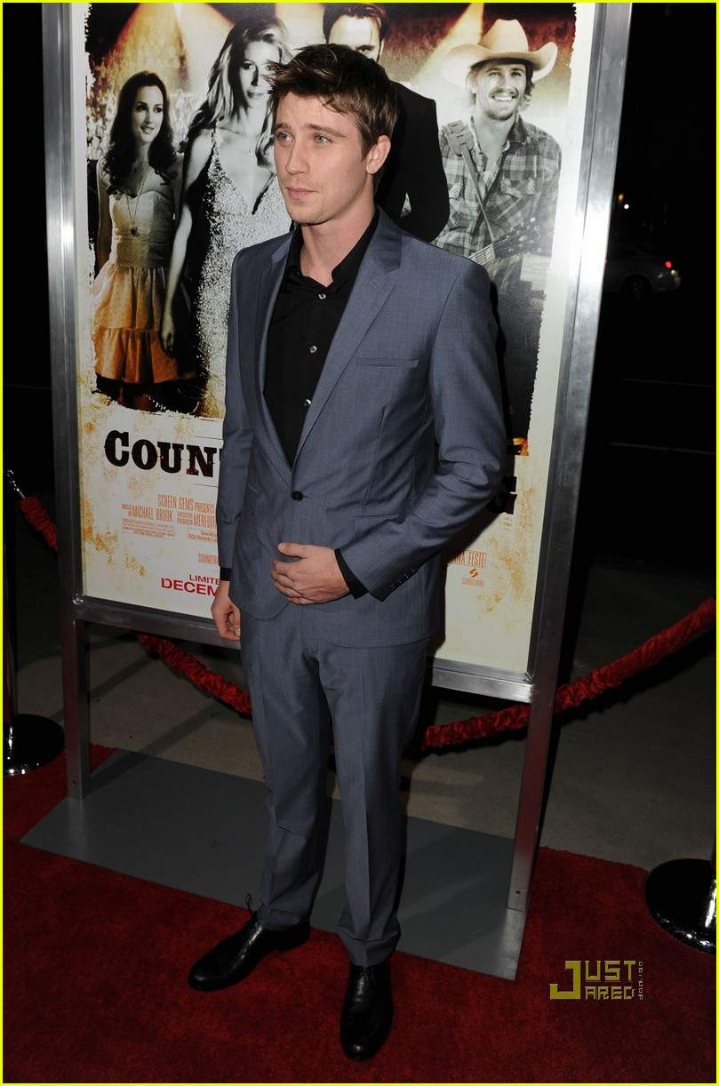 garrett hedlund minka kelly faith hill tim mcgraw country strong premiere 032503908