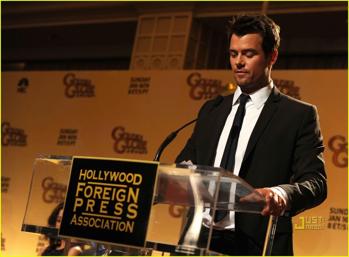 katie holmes golden globe nomination announcement 052503589