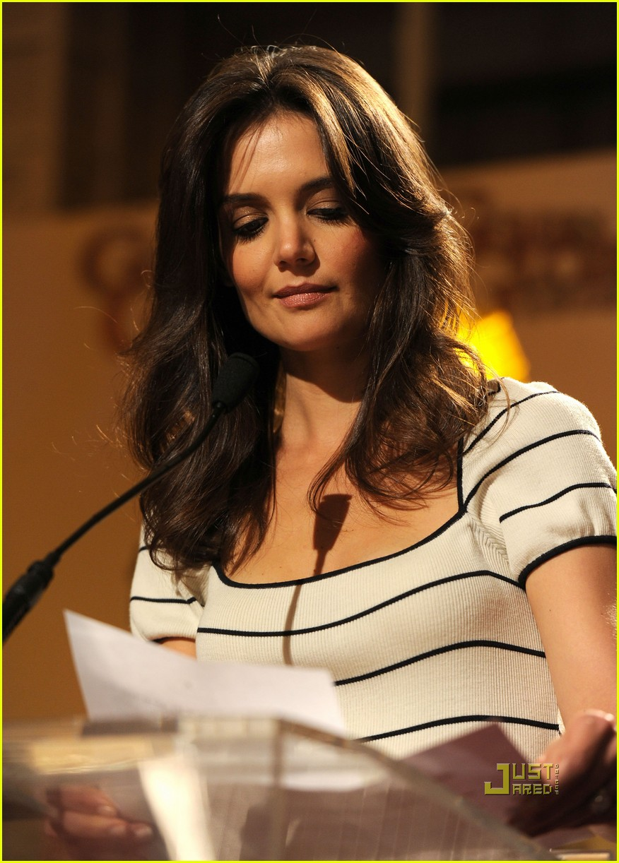 katie holmes golden globe nomination announcement 152503599