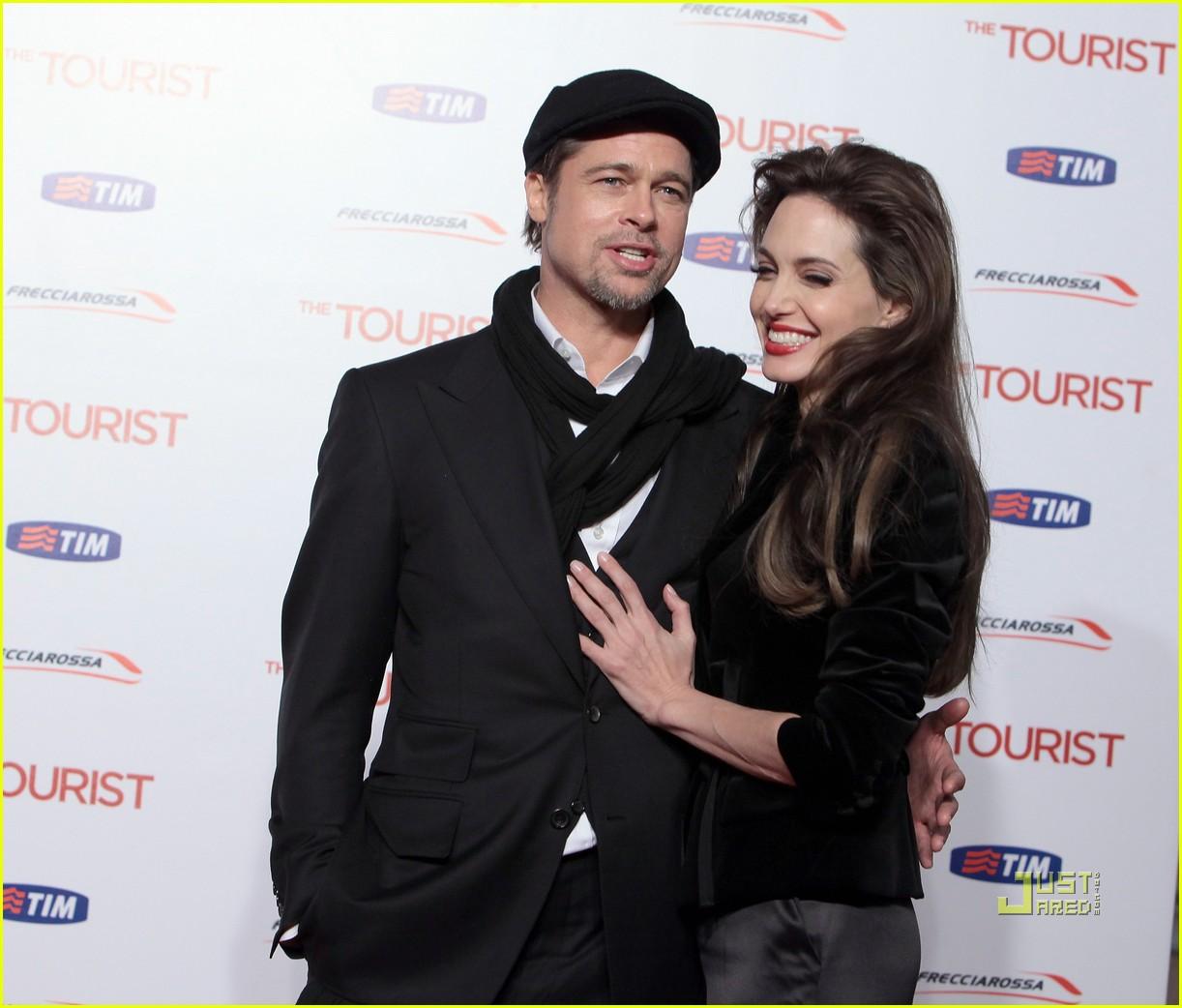 angelina jolie tourist rome premiere 092504042